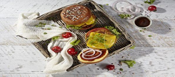 egan-burger-with-mature-cheddar-_MG_5369