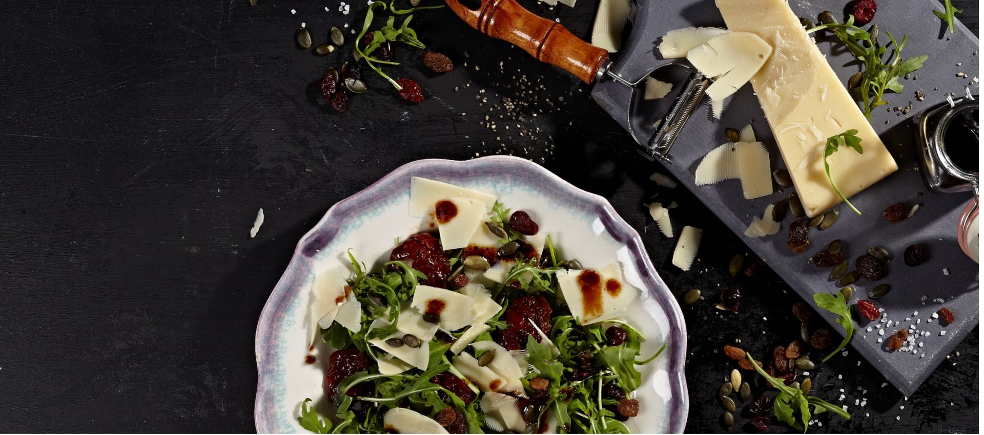 Wild rocket salad with Violife Prosociano