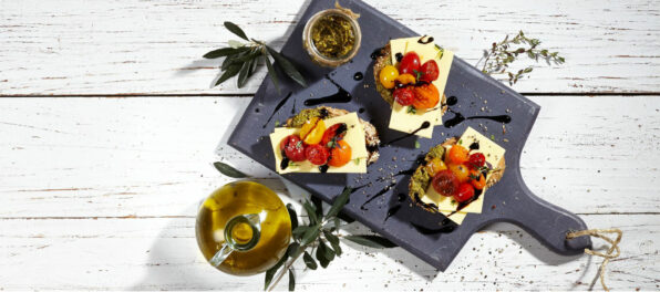 Violife Bruschettas with pesto and cherry tomatoes